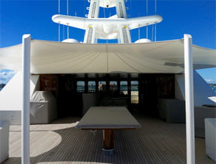 canopy on boat